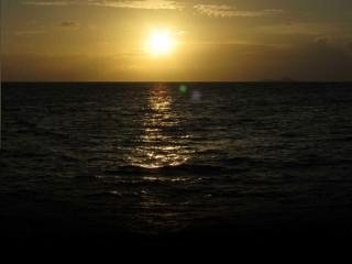 Mein Twitter Bildschirm-Hintergrund - Sonnenuntergang auf den Seychellen.